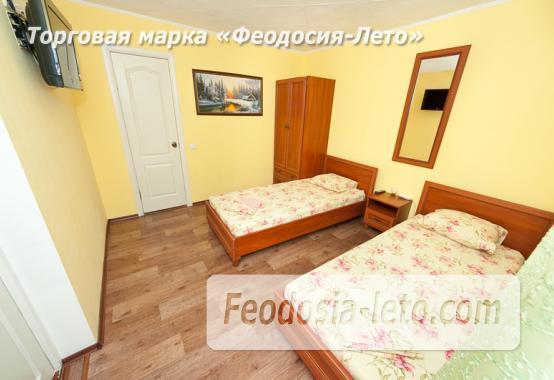 Гостиница с бассейном на улице Дружбы в Феодосии - фотография № 17