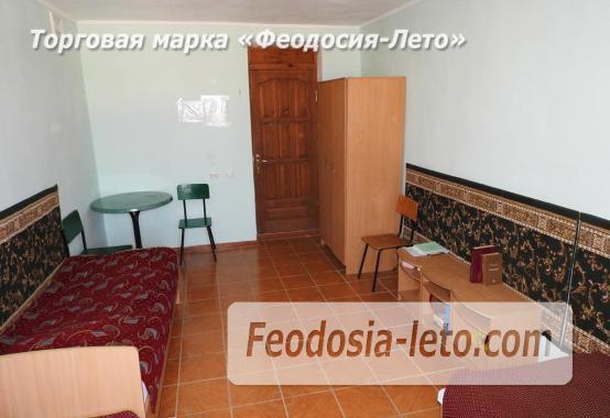 Гостиница со стоянкой для автомобилей, улица Федько в Феодосии - фотография № 21