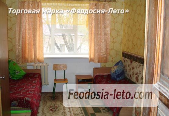Гостиница со стоянкой для автомобилей, улица Федько в Феодосии - фотография № 22