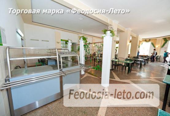 Гостиница со стоянкой для автомобилей, улица Федько в Феодосии - фотография № 5