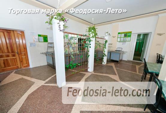 Гостиница со стоянкой для автомобилей, улица Федько в Феодосии - фотография № 8