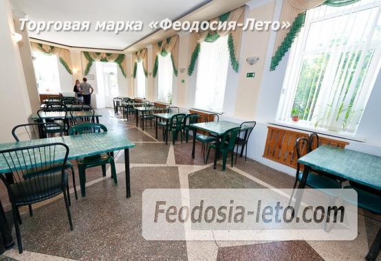 Гостиница со стоянкой для автомобилей, улица Федько в Феодосии - фотография № 9