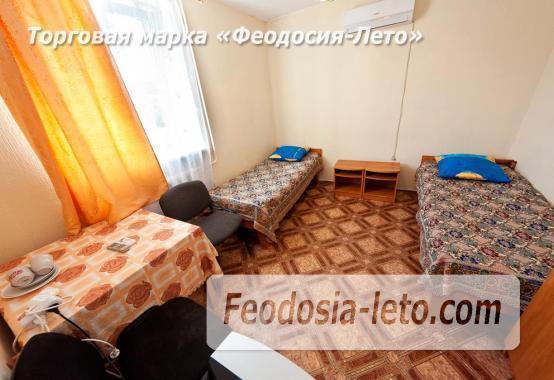 Гостиница со стоянкой для автомобилей, улица Федько в Феодосии - фотография № 10
