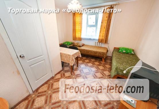 Гостиница со стоянкой для автомобилей, улица Федько в Феодосии - фотография № 15