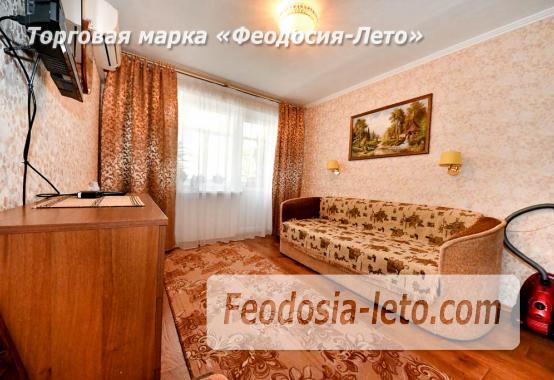 Квартира 2-комнатная в г. Феодосия, улица Крымская, 25 - фотография № 2