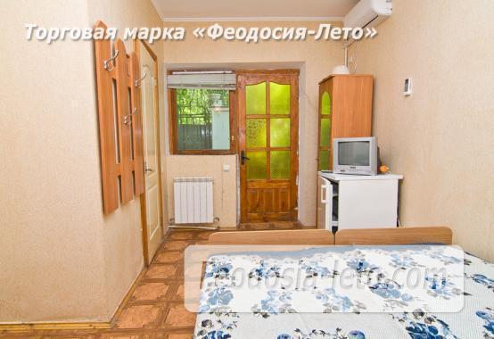 Мини гостиница с общей кухней, улица Русская в Феодосии - фотография № 12