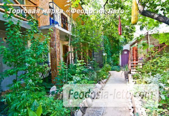 Мини отель в Феодосии с зелёным двором на улице Советская - фотография № 2