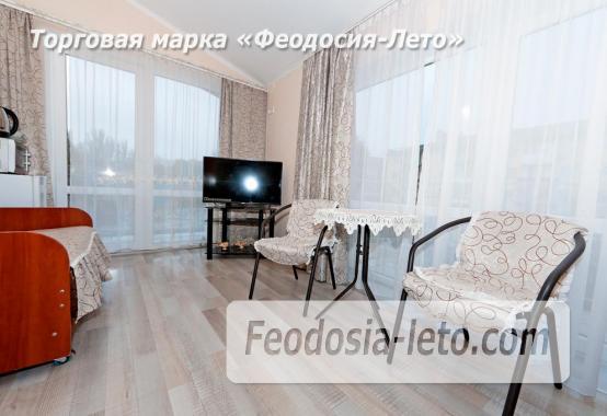 Номера в центре Феодосии, улица Украинская - фотография № 17
