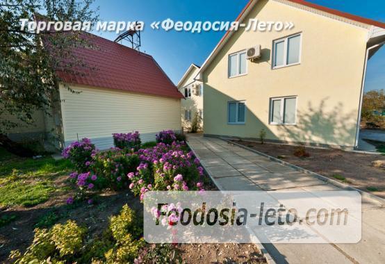 Номера в домиках на берегу моря в Феодосии на Керченском шоссе - фотография № 1