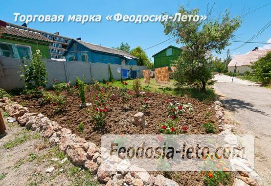 Номера в домиках на Керченском шоссе на Золотом пляже - фотография № 13