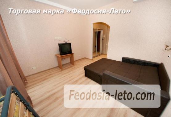 Однокомнатная квартира на берегу моря в Феодосии, Черноморская набережная, 1-В - фотография № 2