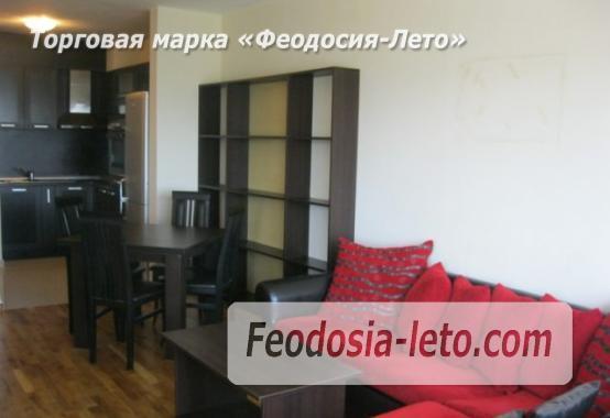 Однокомнатная  строгая квартира в Феодосии, улица Земская, 18 - фотография № 1