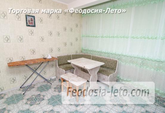 Однокомнатная просторная квартира в Феодосии, бульвар Старшинова, 8-Д - фотография № 4