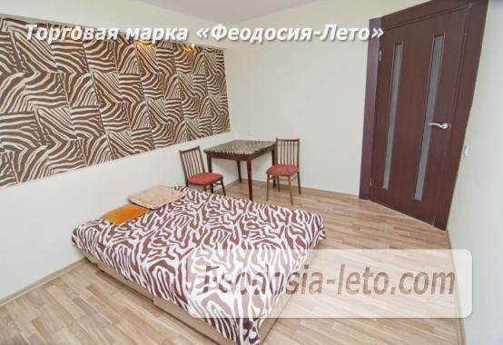 1 комнатная стильная квартира в Феодосии, улица Гарнаева, 73 - фотография № 2