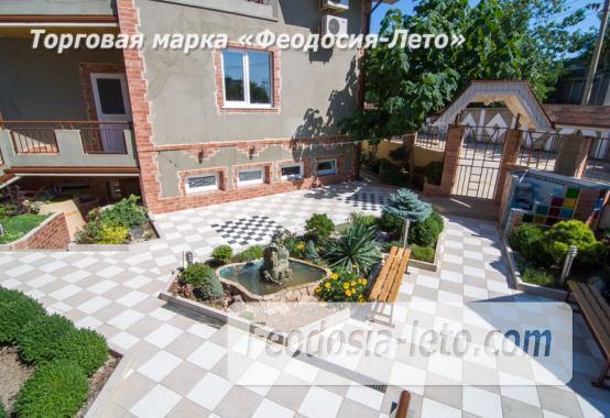 Отель в посёлке Береговое на улице Приозёрная - фотография № 1