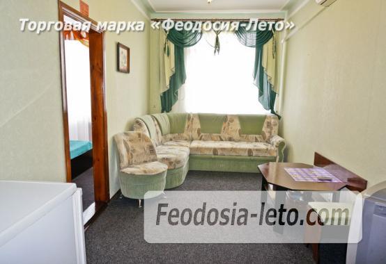 Отель в Феодосии рядом с Белым бассейном на улице Русская - фотография № 11