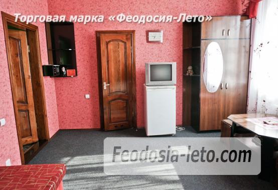 Отель в Феодосии рядом с Белым бассейном на улице Русская - фотография № 32