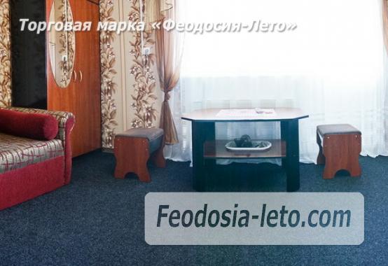 Отель в Феодосии рядом с Белым бассейном на улице Русская - фотография № 45