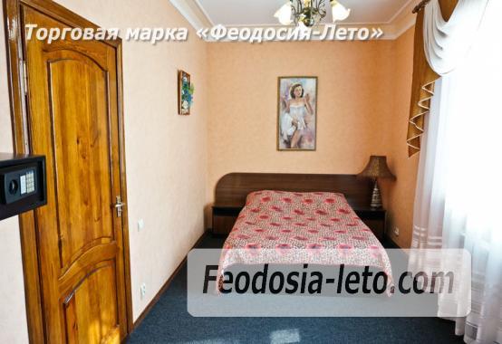 Отель в Феодосии рядом с Белым бассейном на улице Русская - фотография № 3