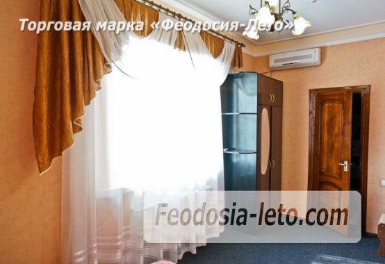 Отель в Феодосии рядом с Белым бассейном на улице Русская - фотография № 4