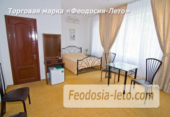 Отель рядом с центральной набережной Феодосии на улице Революционная - фотография № 5