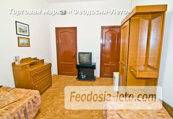 Отель рядом с центральной набережной Феодосии на улице Революционная - фотография № 28