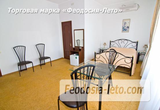 Отель рядом с центральной набережной Феодосии на улице Революционная - фотография № 4