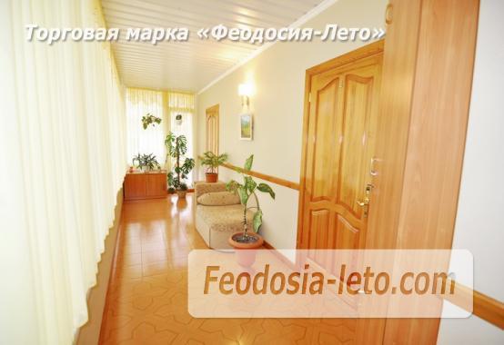 Отель в Феодосии рядом с центральной площадью на улице Земская - фотография № 3