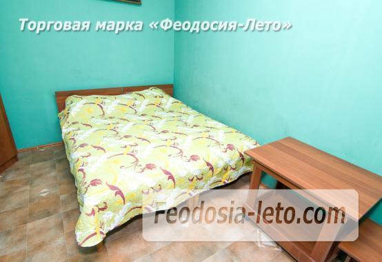 Отель в Феодосии рядом с Комсомольским парком на улице Калинина - фотография № 14