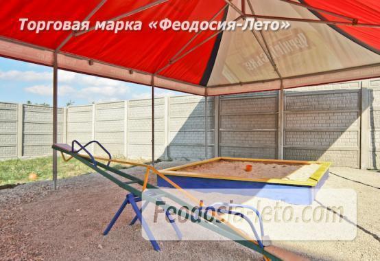 Отель с бассейном на улице Грина в Береговом - фотография № 6