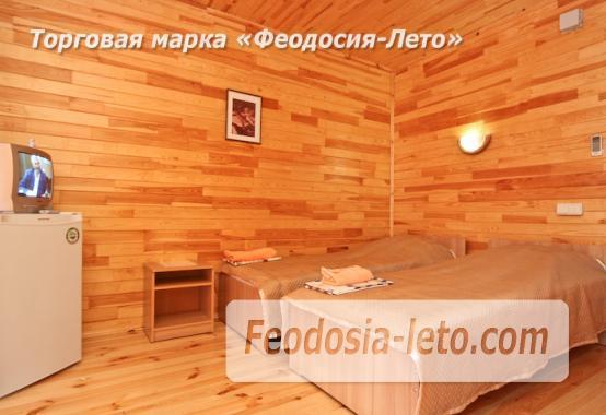 Отель с бассейном на улице Грина в Береговом - фотография № 15