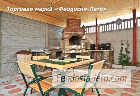 Отель с бассейном на улице Грина в Береговом - фотография № 4