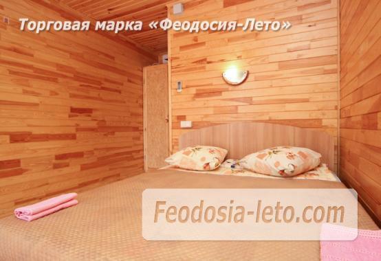Отель с бассейном на улице Грина в Береговом - фотография № 10