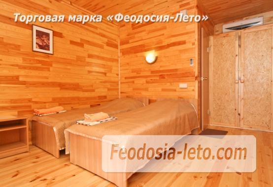 Отель с бассейном на улице Грина в Береговом - фотография № 11