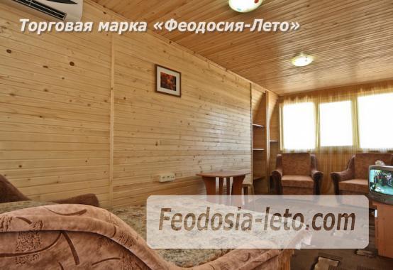 Отель с бассейном на улице Грина в Береговом - фотография № 12