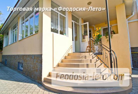 Отель в Феодосии в 5-ти минутах от моря на улице Калинина - фотография № 2
