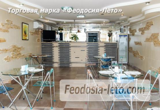 Отель в центре города на улице Куйбышева в Феодосии - фотография № 17