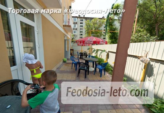 Популярный отель в Феодосии на улице Листовничей - фотография № 12