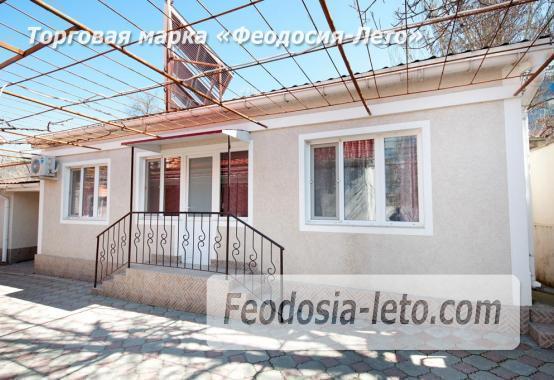 Дом на берегу моря в Феодосии, рядом с набережной - фотография № 1