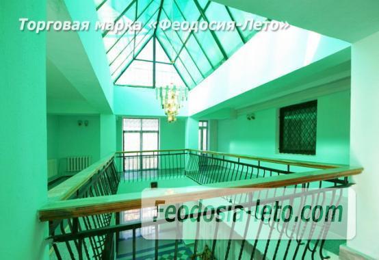 Современный 5-ти этажный отель на улице Федько в Феодосии - фотография № 2