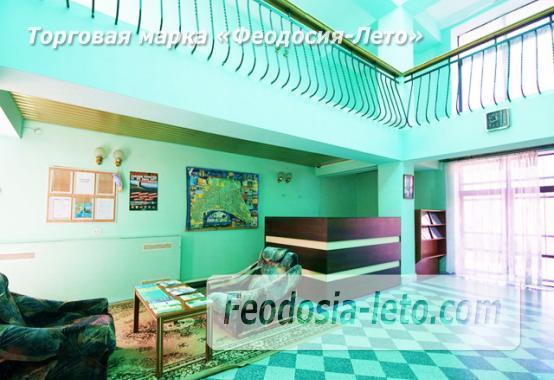 Современный 5-ти этажный отель на улице Федько в Феодосии - фотография № 3