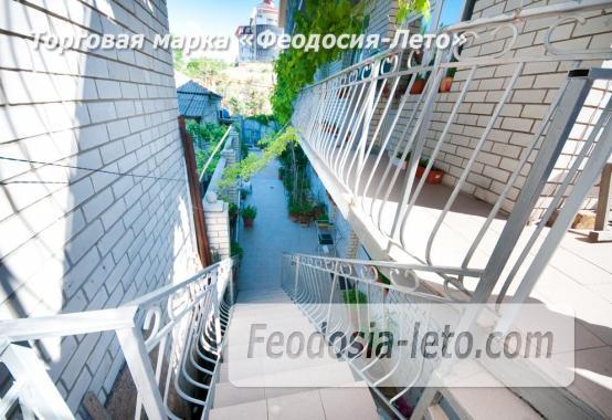 Тихий отель на улице 30 Стрелковой дивизии в Феодосии - фотография № 2