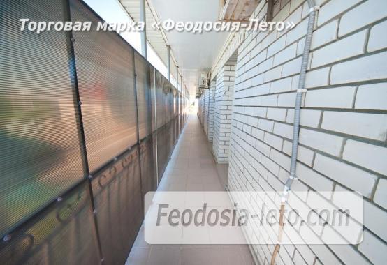 Тихий отель на улице 30 Стрелковой дивизии в Феодосии - фотография № 16