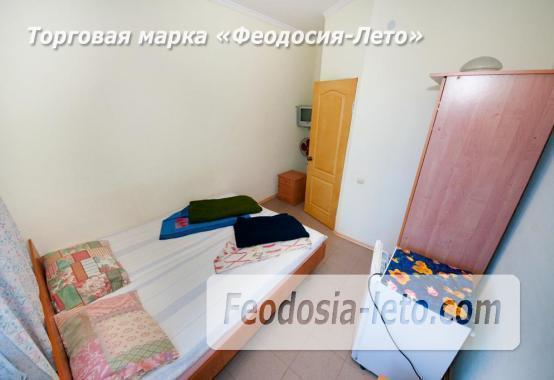 Тихий отель на улице 30 Стрелковой дивизии в Феодосии - фотография № 9
