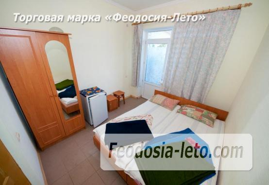 Тихий отель на улице 30 Стрелковой дивизии в Феодосии - фотография № 11