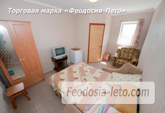 Тихий отель на улице 30 Стрелковой дивизии в Феодосии - фотография № 17