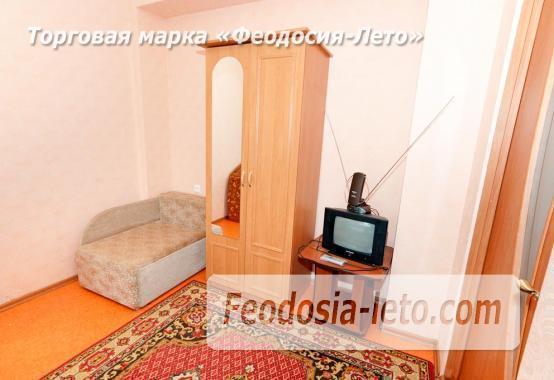 Дома в Феодосии у моря, рядом набережная и кинотеатр - фотография № 7