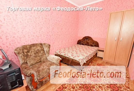Дома в Феодосии у моря, рядом набережная и кинотеатр - фотография № 8