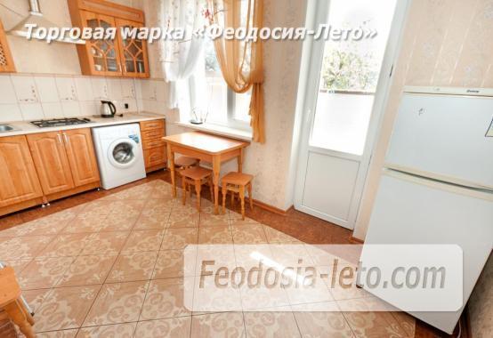Дома в Феодосии у моря, рядом набережная и кинотеатр - фотография № 16