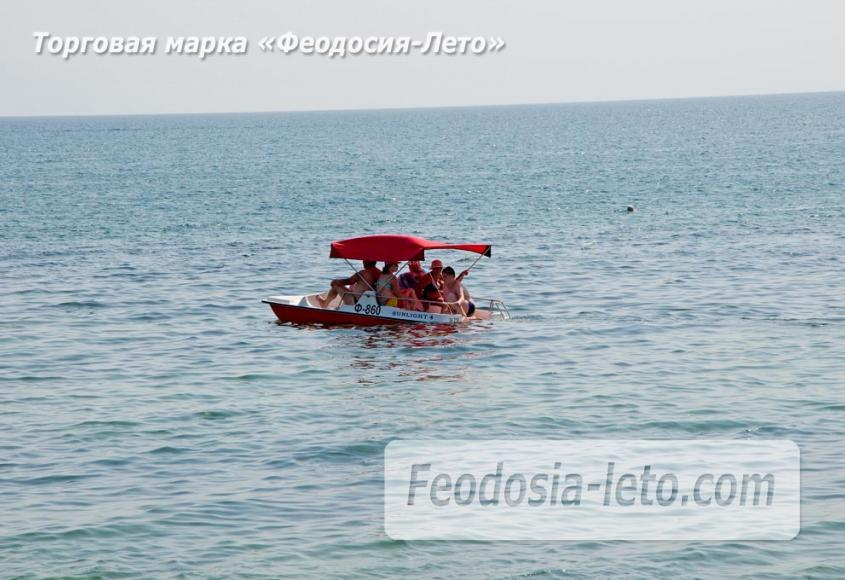Пляжи Феодосии на Черноморской набережной - фотография № 21